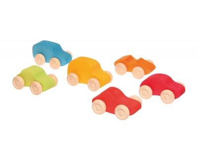 6 värvilist autot